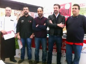 Los tres finalistas con el consejero de Agricultura y Promoción Económica del Cabildo, Paco Fabelo y un representante de Haricana, el patrocinador.