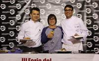 Gladys Acuña con los chefs invitados Juan Carlos Clemente y Pedro Santana.