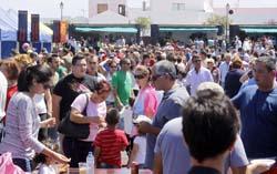 Pese al fuerte calor, miles de personas se acercaron a Mancha Blanca