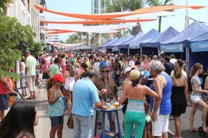 Miles de personas degustaron tapas en Arrecife
