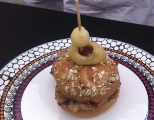Hamburguesa, foie, manzana al Armagnac....tercer clasificado.