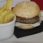 Una hamburguesa y un arroz cremoso, tapas del semestre en Arrecife