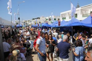 Éxito de público en la V Feria del Queso y la Cabra de Playa Blanca