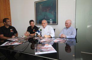 El chef Luis León junto al alcalde de Tías y representantes de GastroEvents