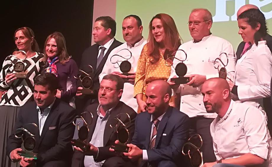 Luis León premios qué bueno